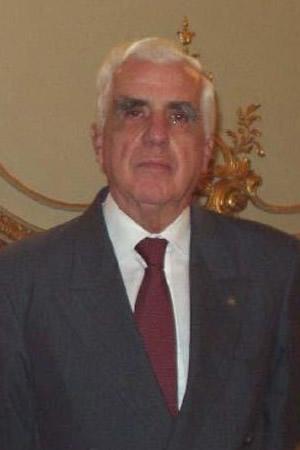Distinción al presidente de la Asociación de Hoteles de Turismo 5