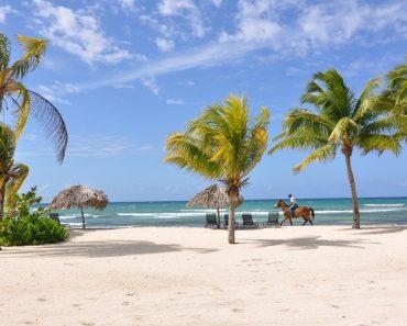 Año récord para el turismo caribeño a medida que retrocede el daño por huracán   Noticias 6