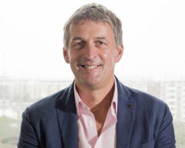 Hullah nombrado director ejecutivo de Riviera Travel | Noticias 7
