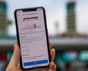 Los invitados anotaron Star Wars: Rise of Resistance Boarding Groups fuera de Disney World 10