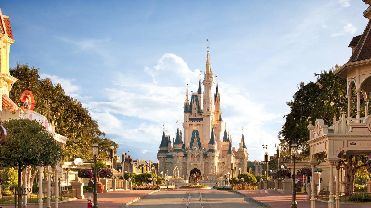 ¡Cambio de imagen real para el Castillo de Cenicienta en Disney World! 9