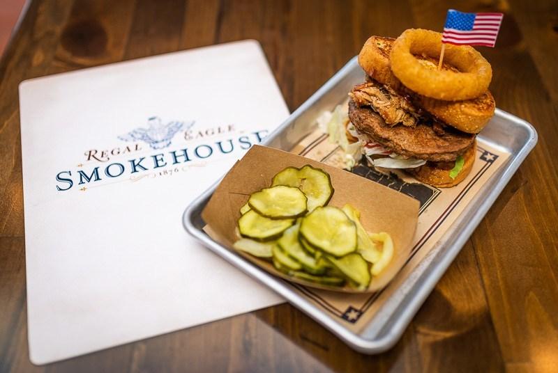 Regal Eagle Smokehouse: una revisión de todos los alimentos, pero principalmente de carnes de barbacoa 9