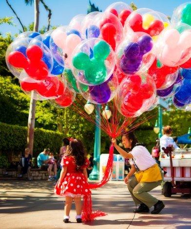 Disney World invierte millones en la moral del elenco 5
