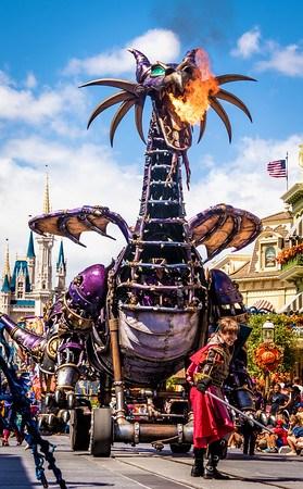 Los pedidos de quedarse en casa extienden efectivamente el cierre de Disney World 13