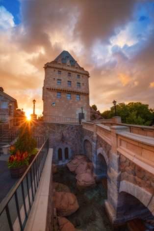 canada-world-showcase-hotel-sunset
