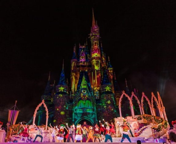most-merriest-celebration-mickeys-very-merry-christmas-party-walt-disney-world-013