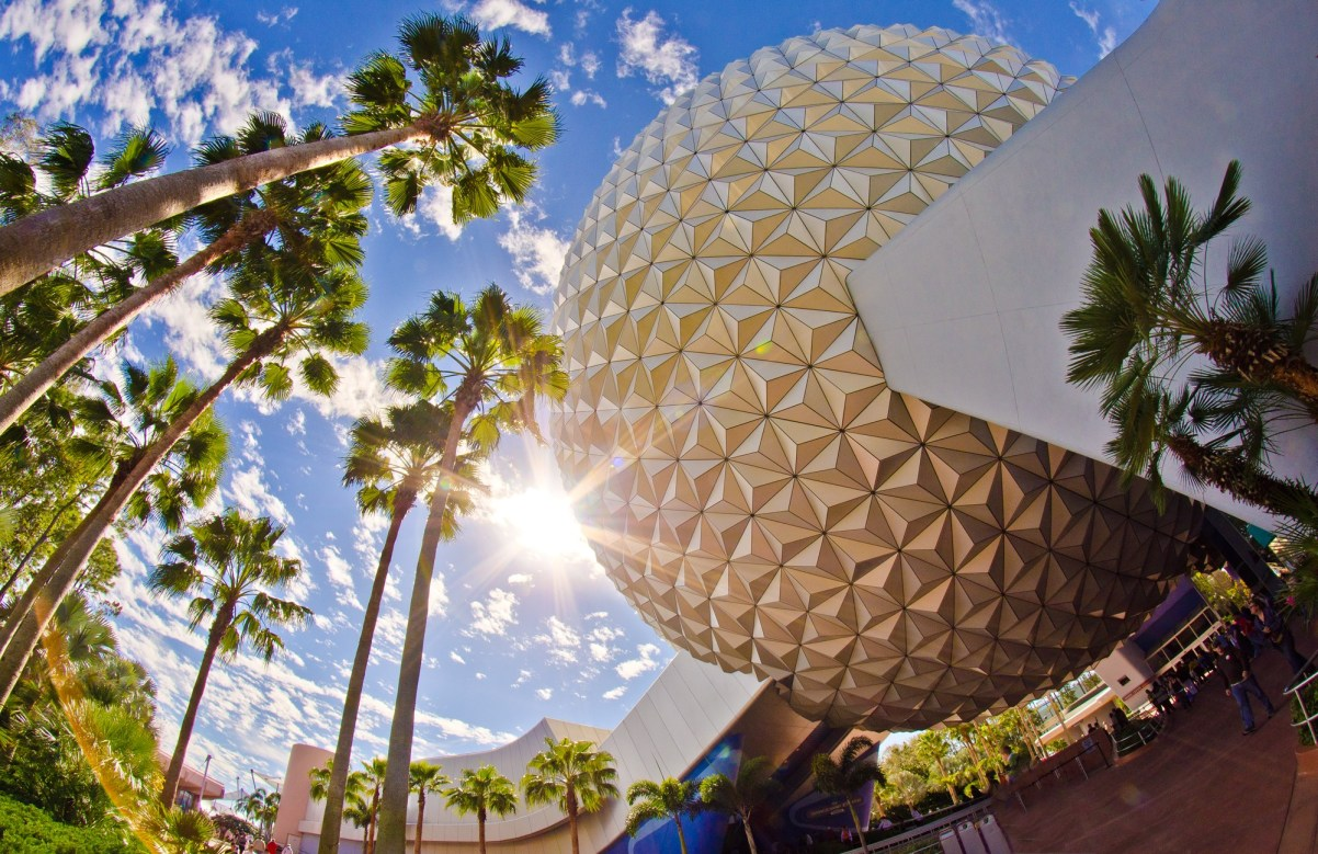 Nave espacial de Epcot Earth Sunshine